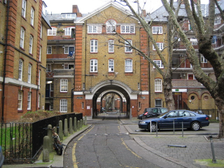 Holborn _The_Bourne_Estate _EC1_-_geograph.org.uk_-_667880